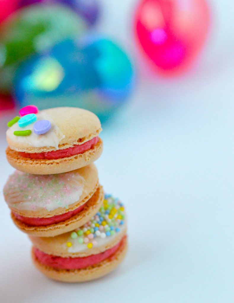Easy Decorated Easter Macarons