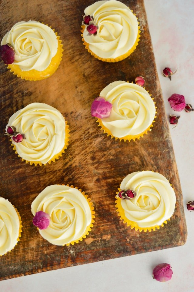 lemon swiss meringue buttercream on vanilla cupcakes