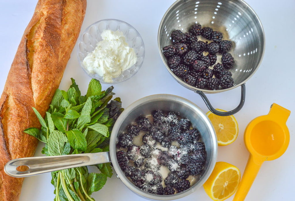 whipped goat cheese blackberry mint crostini ingredients