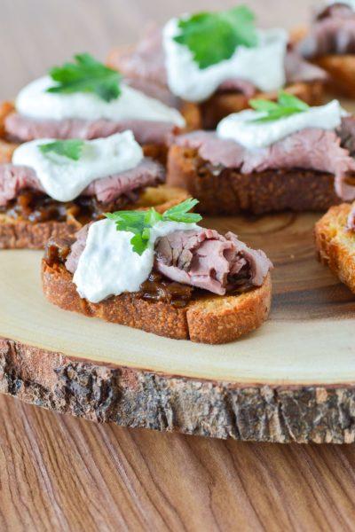 Roast Beef Crostini with Horseradish Cream