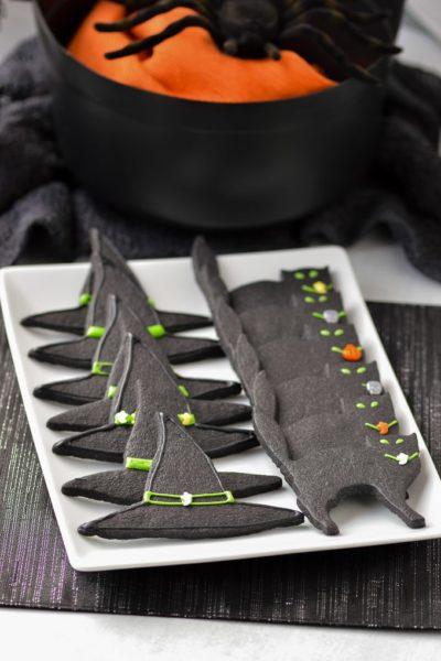 black halloween sugar cookies