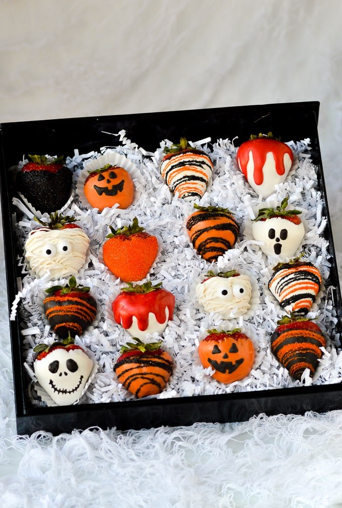 halloween chocolate covered strawberries in gift box